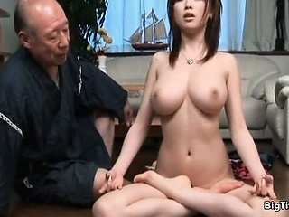 Sexy brown babe gets horny..