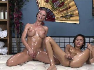 Nicoles webcam show hit..