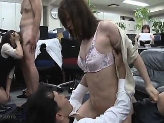 Japanese woman oral..
