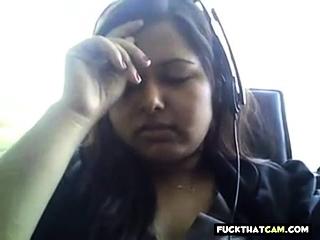 Bored Desi chunky on webcam..