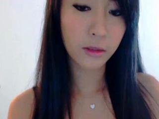 Cutest Asian Webcam Chick..