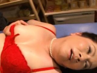 Nude mature suitor Chizuru..