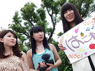 Three Japanese adolescence..