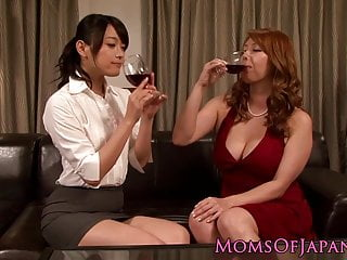 Japanese dykes pussylicking..