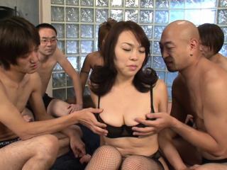 Gangbanging a big titty..