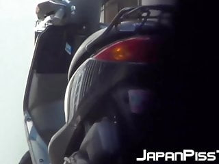Japanese teenie soaking..