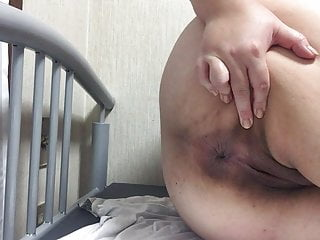 Japanese bbw showing off the..