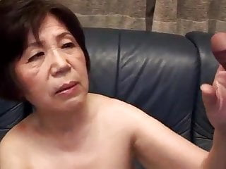Japanese granny knows her..