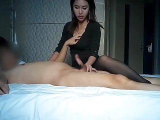 Thai girl rubs the brush..