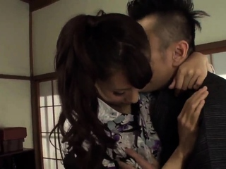 Yui Oba leaves the step son..
