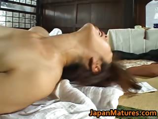 Shouda Asian mature babe..